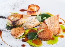 Scallops with leeks and dill