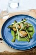 Scallops with roasted, puréed & raw asparagus
