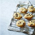 Slimmed-down chocolate chip cookies