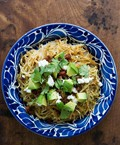 Sopa seca de fideo with tomatillos