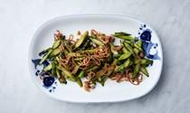 Stir-fried asparagus with bacon and crispy shallots