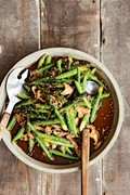 Stir-fried asparagus with shiitakes and sesame seeds