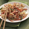 Stir-fried carrots with shrimp and toasted almonds