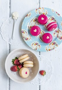 Strawberry cheesecake or vanilla malt heart-inside macarons