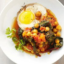Tomato, greens, & chickpea skillet