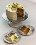 Whiskey-ginger cake with pear salad